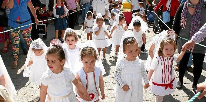 Los más pequeños han sido protagonistas en Cartaya este viernes.