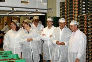Visita de Caraballo a la empresa Agromartín.