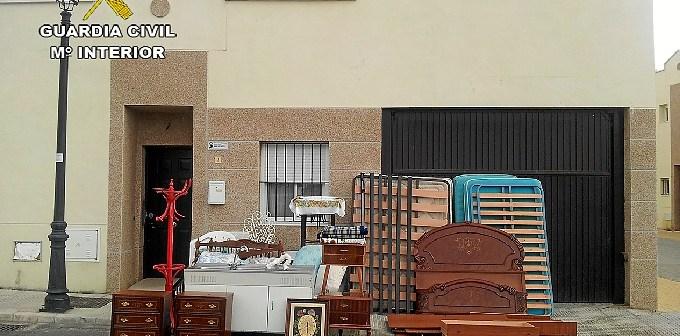 Objetos robados en una vivienda.