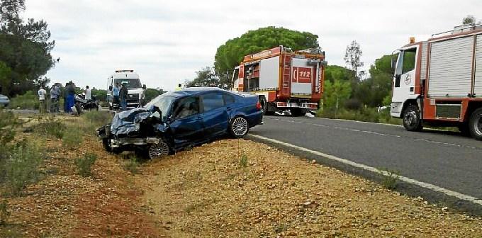Uno de los accidentes ocurridos en las carreteras de Huelva.