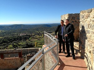 Visita a las obras del castillo de Aracena.