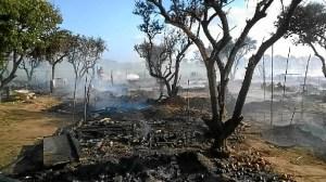 Campamento incendiado en Lepe-02