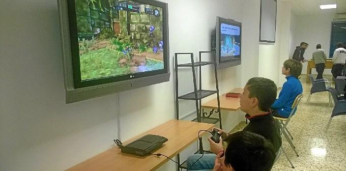 Zona Play station y Wii del Centro Joven de Gibraleon.