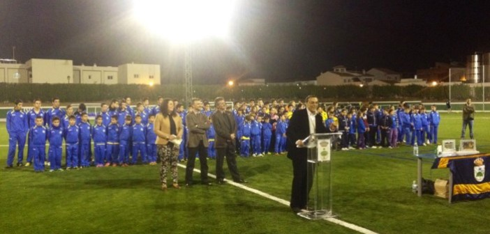 Inauguración del nuevo campo de césped artificial en Chucena.