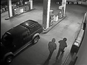 Imagen de la cámara de seguridad de la gasolinera.