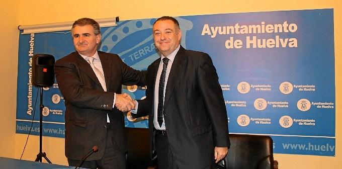 Firma convenio Parque Empresarial Mirador del Odiel (1)