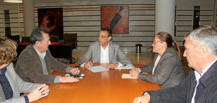 Reunion presidente con alcaldes de la Costa 02