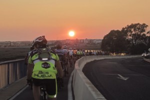 Ruta nocturna en bici entre Huelva y El Portil.