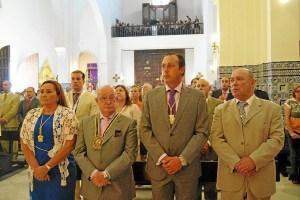 La Alcaldesa, el Hermano Mayor de la Hermandad, el Presidente del Consejo y el Primer Teniente de Alcalde en la Misa