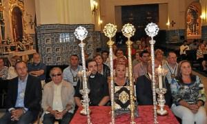 la Alcaldesa junto al Hermano Mayor, la Exaltadora, los Rvdos Parrocos y el Presidente del Consejo de Hermandades