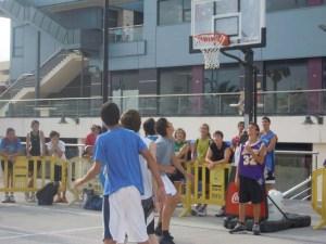 Baloncesto tres por tres en Isla Cristina.