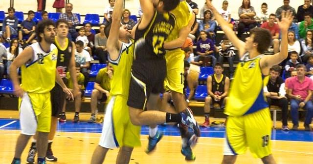 Partido de Primera Nacional de baloncesto entre Palos y Aljaraque.