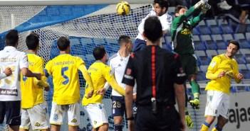 Menosse, autor de un gol ante Las Palmas. (Espínola)