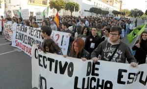 manifestacion huelva contra proyecto 3+2-002