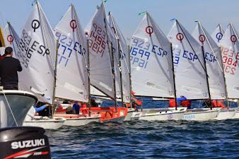 Campeonato de Andalucía de óptimist en Isla Canela.