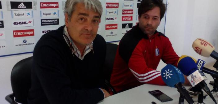 Fernando Iturbe, secretario técnico del Recreativo de Huelva, junto a José Dominguez.