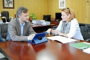 Delegado y directora voluntariado Huelva 017