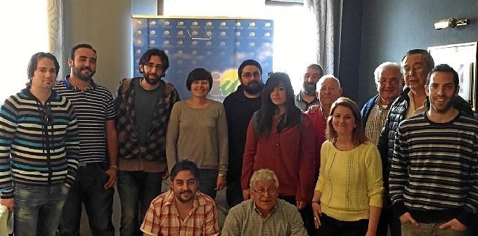 Isabel Lancha junto con integrantes Asamblea IU Nerva