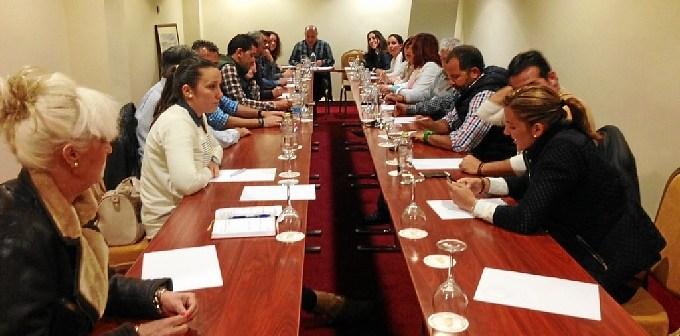 Zamudio reunido con miembros de su candidatura
