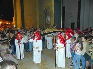 moguer semana santa martes-el crucificado a su salida del templo
