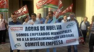protesta aguas de huelva ante el Ayuntamiento-17