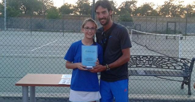 Ana Sánchez, joven tenista ayamontina.