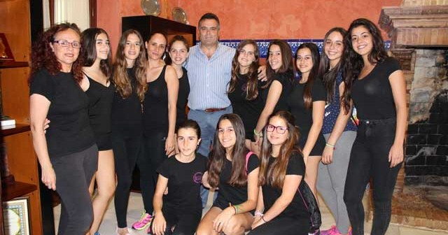 Recepción en el Ayuntamiento de La Palma del Condado a la Escuela de Gimnasia Rítmica.