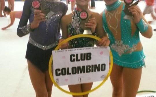 Gimnastas del Club Rítmico Colombino en Isla Cristina.