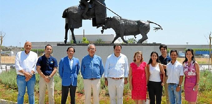 Imagen de la inauguración del monumento homenaje a Antonio Cruz.