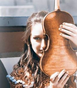 ELENA MIKHAILOVA (violinista)