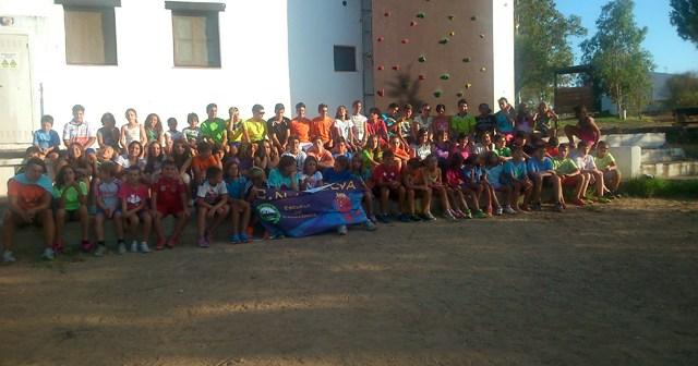 Concentración del Club Natación en las instalaciones de Waingunga en Lepe.