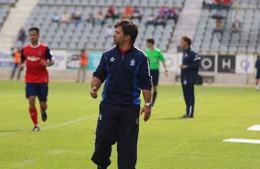 Jose Dominguez, técnico del Recreativo en Jaén. (Javier del Camps)