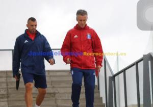 Alejandro Ceballos, técnico albiazul, con su segundo Antonio González. (Javier del Camps)