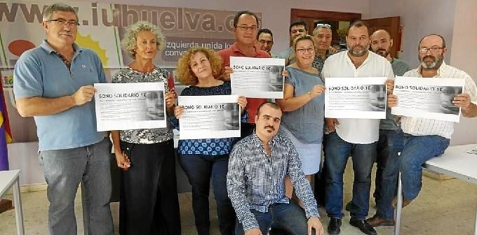 Dirigentes de IU Huelva con Daniel Hernando