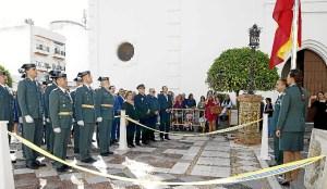 Isla Cristina Tras la misa s eha procedido a la izada de la Bandera Nacional