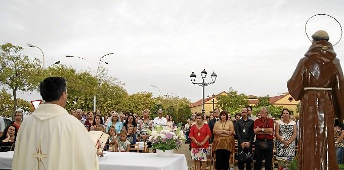 La Misa se celebro al aire libre