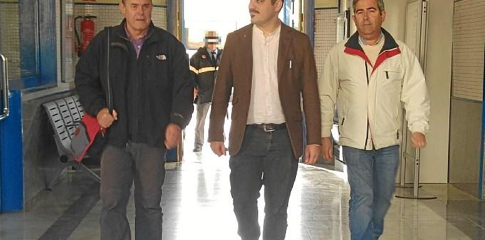 Daniel Hernando en Estacio Renfe con los candidatos al Senado Miguel Angel Gea y Carmelo Cumbreras
