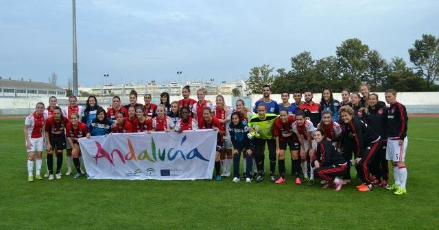 Amistoso del Cajasol Sporting ante el Ajax de Ámsterdam.