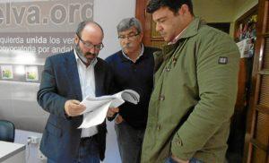 Pedro Jimenez, Juan Manuel Arazola y Javi Valderas antes de RP IU 26 enero