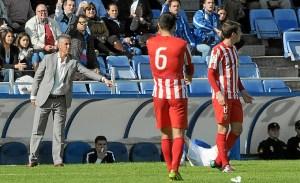 Alejandro Ceballos, en el partido ante el Almería. (Espínola)