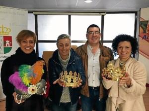 Reyes reciben la Corona
