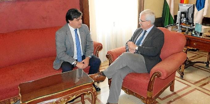 Visita Huelva vicepresidente de la Junta (1)