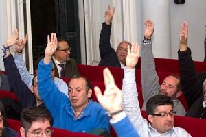 Votación de la asamblea de socios del Recreativo Supporters Truswt. (www.albiazules.es)