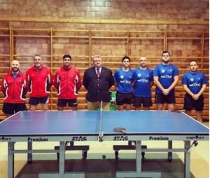 Equipo de tenis de mesa del Maristas Huelva.