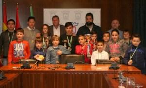 Recepción en el Ayuntamiento de Cartaya a la Escuela 'El Campeón'.