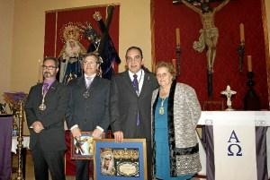 La Alcaldesa junto al Pregonero, el Primer Teniente de Alcalde y el el Hermano Mayor de la Hermandad