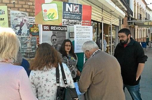 Recogida firmas en Nerva contra Zona ORA Minas de Riotinto