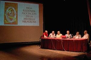 mesa redonda la medalla milagrosa