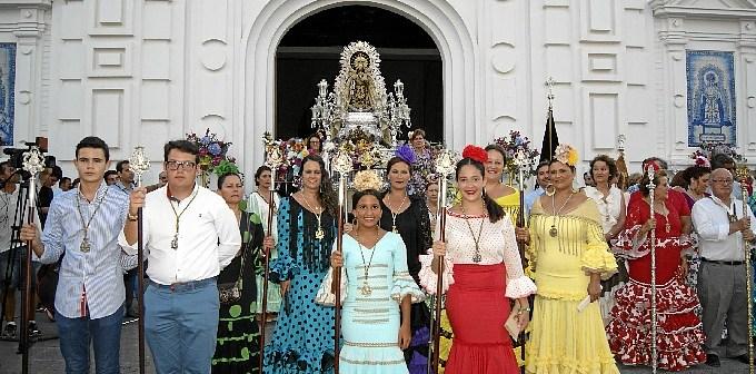 ofrenda virgen del carmen en isla cristina hermandad del rocio (5)
