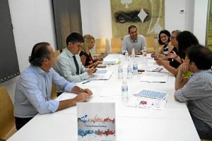 Reunion Huelva Empresa con autonomos 01